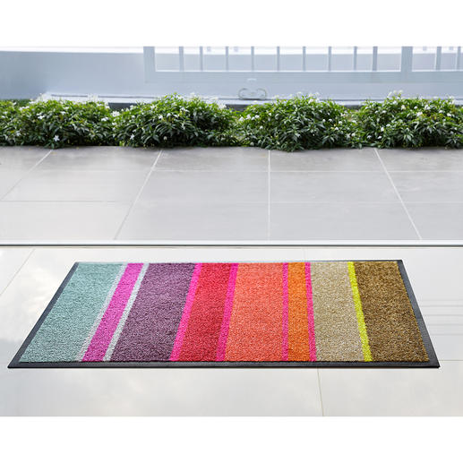 Flat Design Doormat Fits under almost every door. Elegant like a fine carpet, but tough on dust, mud and dirt.