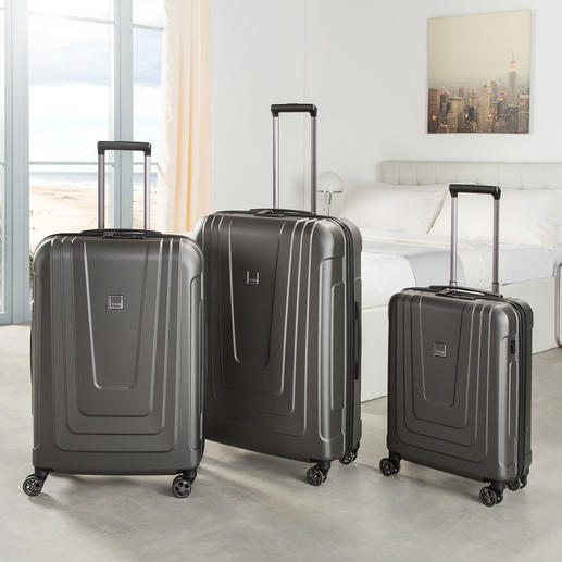 Titan® Trolley X-Ray Pro The latest generation of suitcase: Fingerprint sensor instead of combination lock. Best possible security against unauthorized opening.