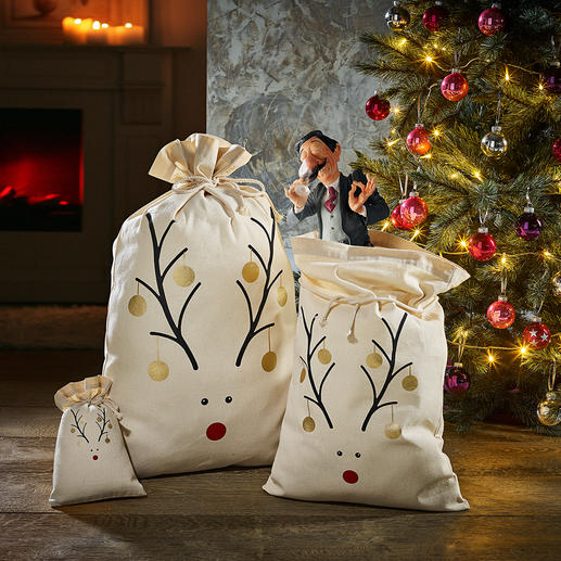 Reindeer Pouch Just fill it, pull the drawstring, and done! Made from decoratively printed cotton – can be used again and again.