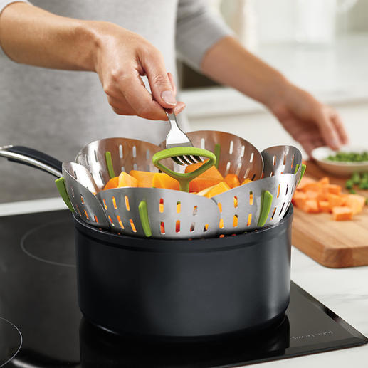 Folding Stainless Steel Steamer Basket Steaming vegetables has never been so easy and secured.
