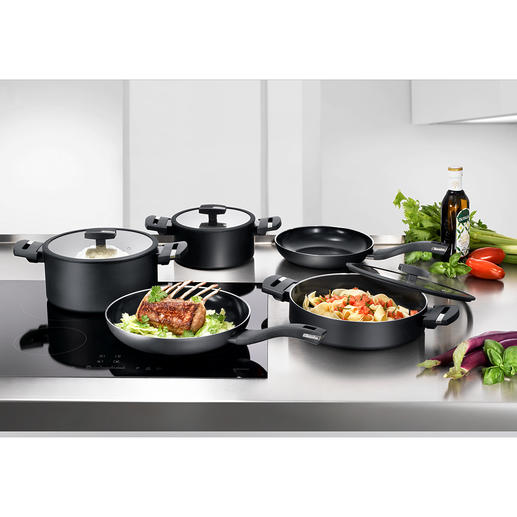Berndes Alu Recycled Cookware High-class cookware – 100% recycled material. With innovative quartz non-stick coating. For all types of hobs including induction.