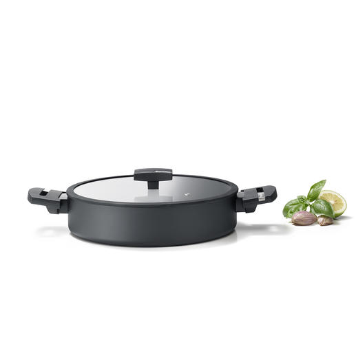 Roasting/Serving Pan With Glass Lid