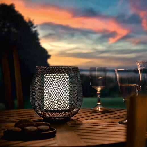 Mesh Lamp Atmospheric like a lantern: LED light in trendy mesh design.