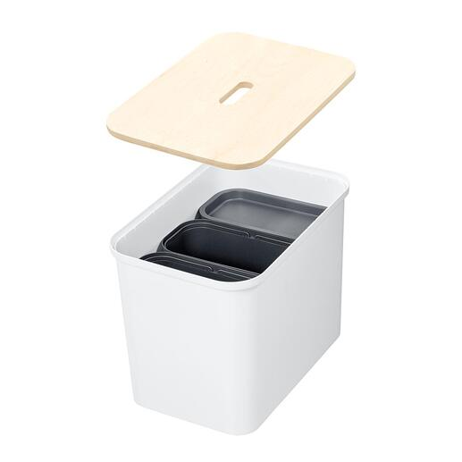A real all-rounder– with 3matching inner buckets and a sturdy wooden lid.