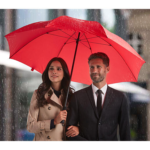 Ultra-light Extra-large Umbrella The lightweight among extra-large umbrellas and parasols.