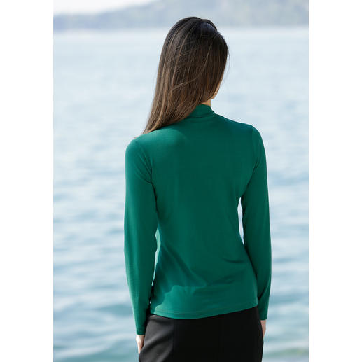 Blazer Top You'll often wear this easy-care top instead of a blouse.