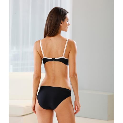 Triumph Magic Wire™ Bra or Magic Briefs Magic Wire™ cup technology from Triumph: Flexible silicone wires make this bra extremely comfortable.