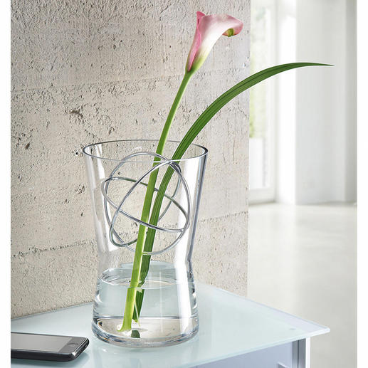 Glass Vase with decor sphere Long-stemmed flower arrangements, luxurious bouquets, … and always the perfect vase handy.
