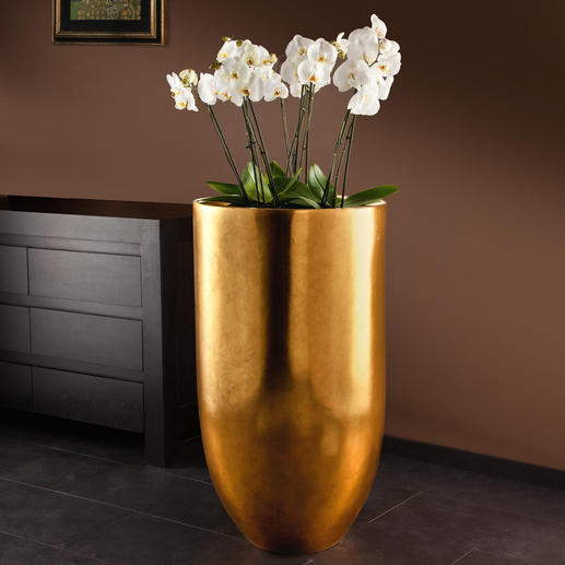 XXL Planter Impressive eye-catcher: Covered in a fine layer of golden brass.