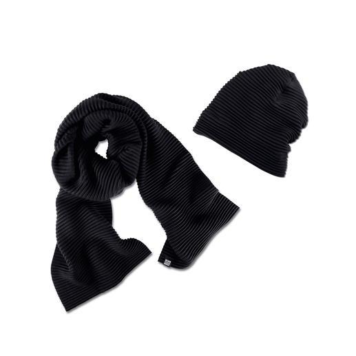 "Pleated Fleece Beanie or Scarf Award-winning Swedish design: ""Pleece"". Exceptionally elegant, soft and warm."