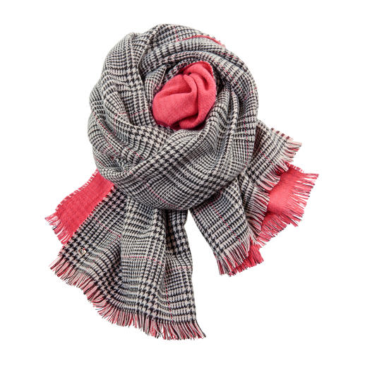Twin-Set Double-faced Scarf A fashion upgrade for your jackets and coats: The double-faced scarf by Twin-Set.
