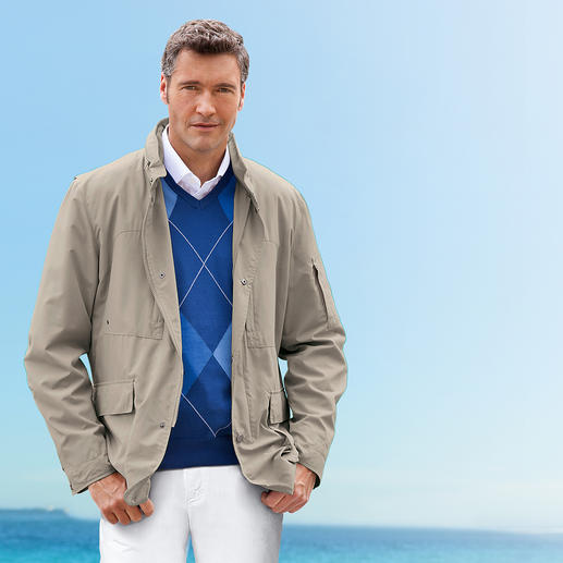 "City/Leisure Jacket ""Dressy Protection"" Waterproof. Windproof. Breathable. And easy to care for."