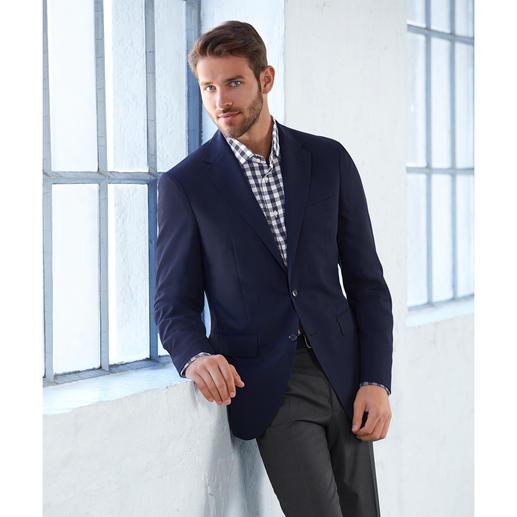 Ingram Checked Seersucker Shirt Airy, woven seersucker with classic check pattern. Yet not too informal looking.