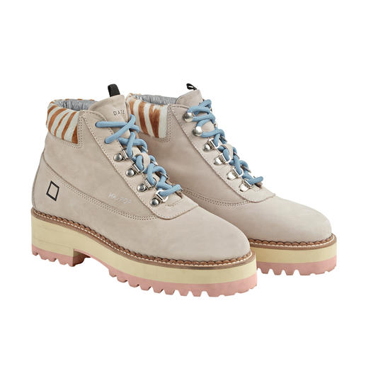 Fashionable hiking boots – as lightweight as sneakers. Fashionable hiking boots – as lightweight as sneakers. From Italian trend label D.A.T.E.