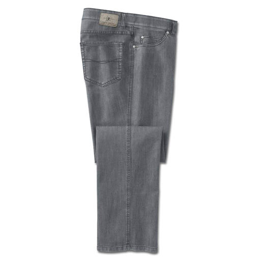 T400® Jeans - Nothing bags. Far fewer creases from sitting. Dries overnight. Thanks to the highly elastic T400® fibre.