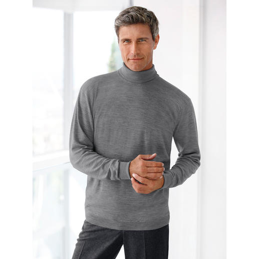 Can't get much finer. This pullover made from fine Merino wool by John Smedley weighs less than 10.6oz. Fits any briefcase.