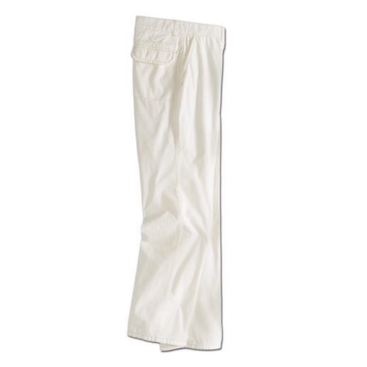 Uncomplicated at last: Cream trousers in soft cotton poplin. Uncomplicated at last: Cream trousers in soft cotton poplin.