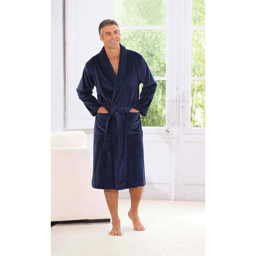 """Triton"" Morning Gown Which dressing gown does the man wear who is famous for making the noblest morning gowns?"
