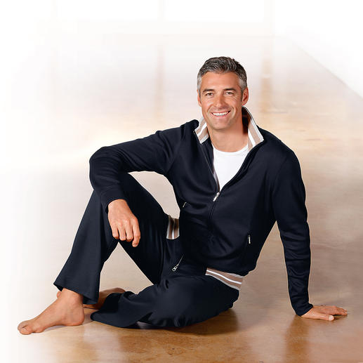 Pima-Cotton Gents Loungewear, navy - Cuddly soft, super comfy – and still smart.