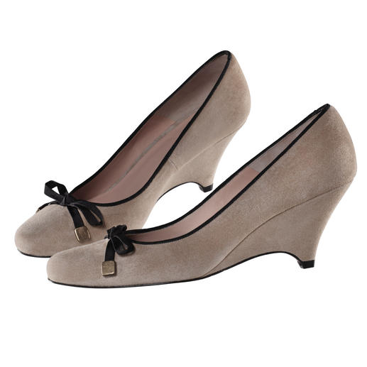 Dinner Ballerina Popular ballerina style – elegant and versatile as never before thanks to a slender wedge heel.