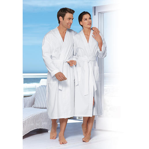 Light-Loop Bathrobe - A fluffy terry cloth bathrobe. Which folds up small and only weighs 25 ounces.