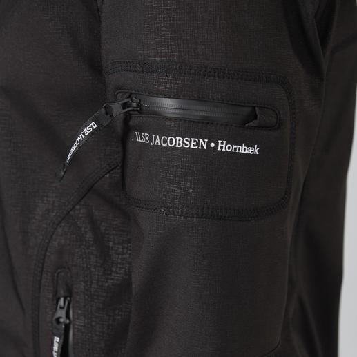 Ilse Jacobsen Raincoat Functionality is rarely this stylish. Breathable, softshell fabric that's wind and waterproof. Danish design.
