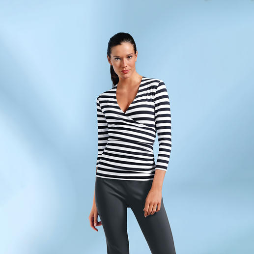 Magical Wrap-Top The magical top. Impeccable in black and white.