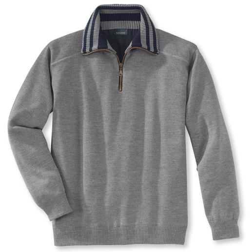 Weather Pullover, collar with contrasting stripes Your most sensational weather protection is a nice pullover. Warm, water-repellent, windproof.