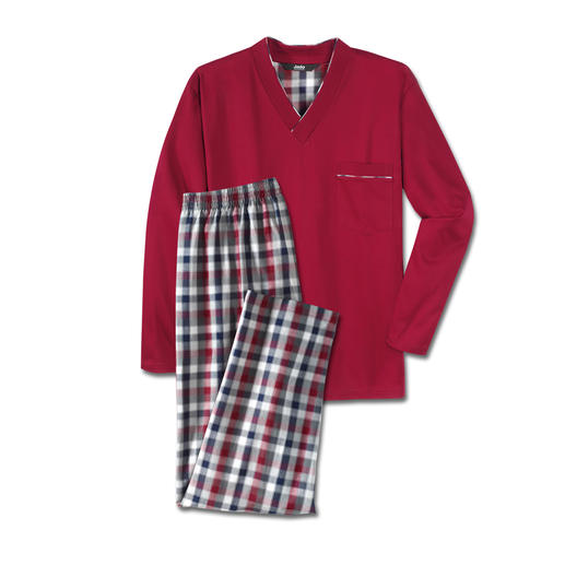 Favourite Pyjama, long, No.3 Pure cotton, neatly processed, made in Germany. In a long version for the chilly season.