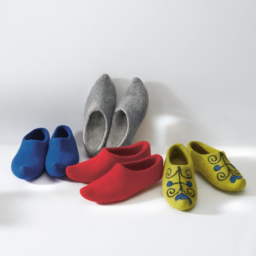Kyrgyzstan Felt Slippers Authentic design – without edges or seams. Rare handmade production according to ancient traditions.
