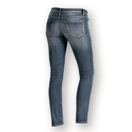 1921 Cozy Skinny Jeans Feminine, figure enhancing jeans – but super casual and super comfy. Thanks to a comfy elastic waistband.