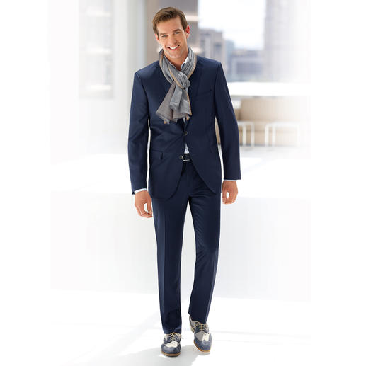 Carl Gross Virgin Wool Stain Resistant Suit Virgin wool without impregnation. Yet still well-protected against stains. Liquid simply rolls off.