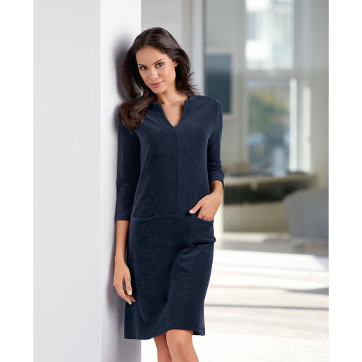 Terry Relax Dress, Navy As easy-going as loungewear. But with a lot more charm.