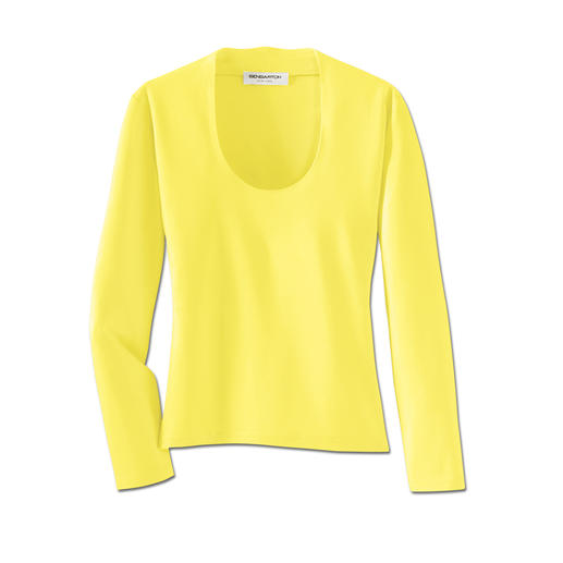 You'll often wear this easy-care top instead of a blouse. You'll often wear this easy-care top instead of a blouse.