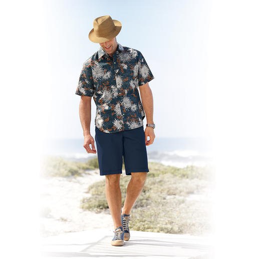 "Reyn Spooner ""Chrysanthemum"" Hawaiian Shirt You should buy your Hawaiian shirt in Hawaii. Or…"