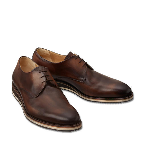Cordwainer Derby shoes As formal as a traditional business shoe. Yet more comfortable, modern and versatile.
