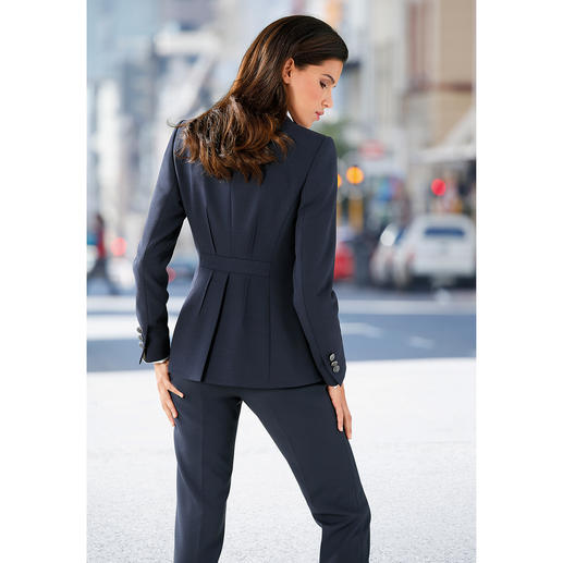 Business-Blazer or Trousers The most feminine of respectable business suits. Modern streamlined fit. Charming details.