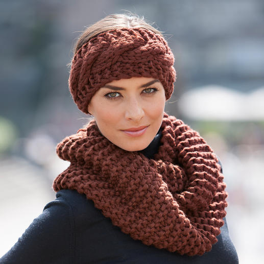 Strickmadame by Zebratod Hand-Knitted Headband or Loop Scarf Limited edition from Germany: A chunky knit made by hand.