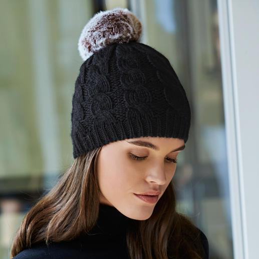 Interchangeable Pompon Hat - A fabulous new approach to the fur pompon craze.