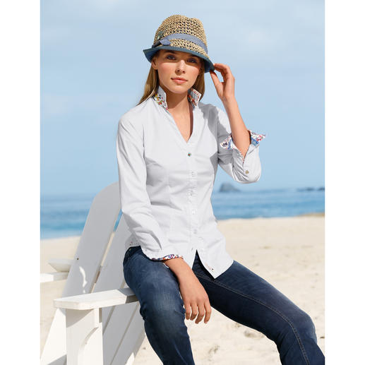 Lucky de Luca Blouse Fresh and feminine: A Lucky de Luca revamp of the classic Oxford blouse.