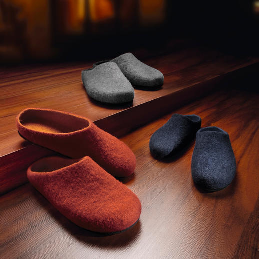Felt Slipper - Made from pure virgin wool into a seamless slipper.