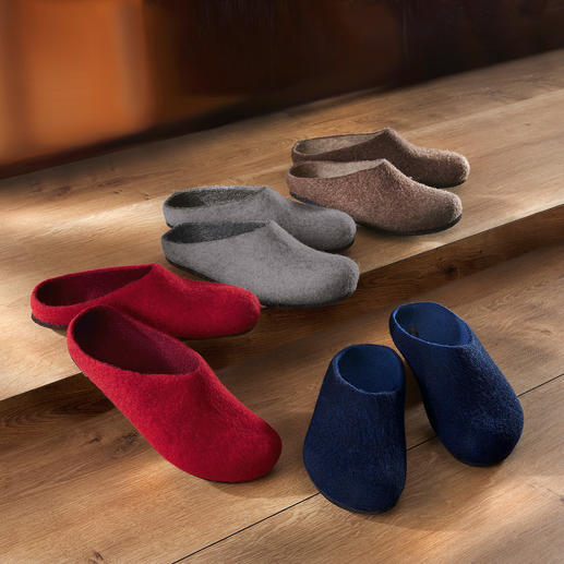 Felt Slipper Made from pure virgin wool into a seamless slipper. For ladies and men.