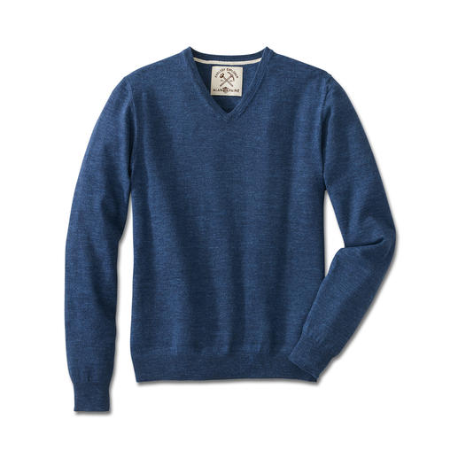 Alan Paine jeans V-neck Pure cotton, rare colour intensity and extra soft.