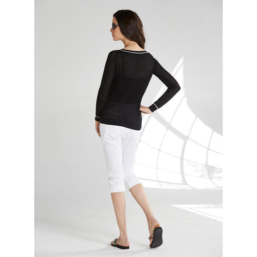 Carbery Pointelle Pullover A black pullover when it's 30° in the shade? Airy pointelle design in cotton & silk.
