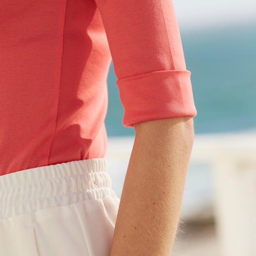 Michèle Holiday Skirt The perfect holiday skirt. Low-crease, washable, non-iron and suitable for any occasion.