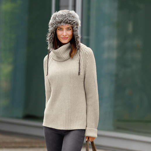 neyo Chunky Knit Pullover Slow fashion: Trendy chunky knit, traditionally crafted. And under fair conditions. Made in Nepal.