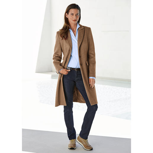 Camel Hair Coat Exquisite camel hair. Elegant blazer cut. Versatile colour. Endless opportunities to wear it.