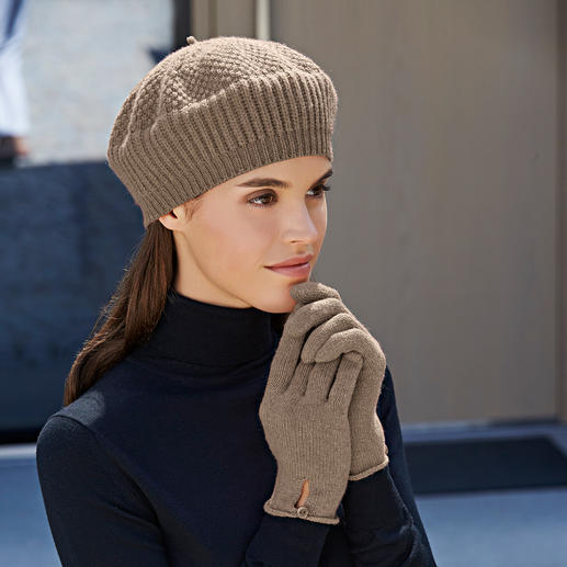Beret, Beige and Gloves, Beige mottled