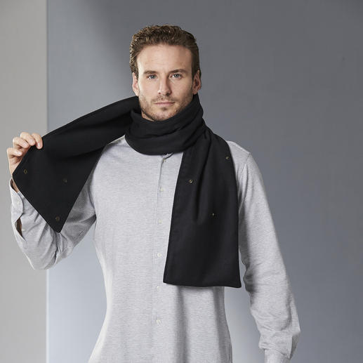 les D'Arcs Button Scarf Drapes elegantly, stays in place.