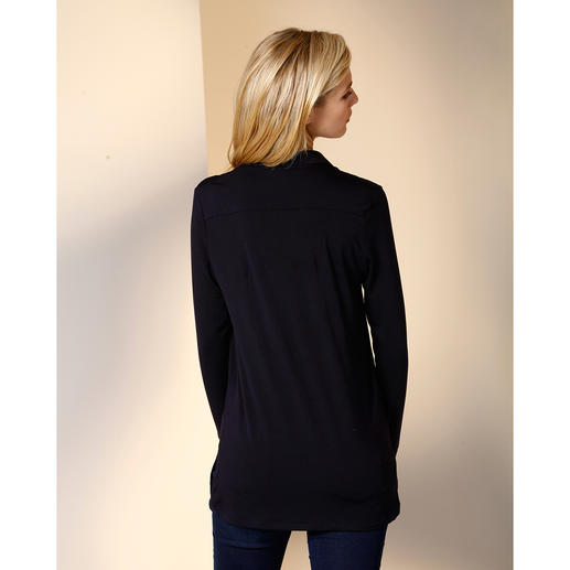 Tencel® Long Blouse The long blouse made from rare Tencel® jersey. As comfortable as a shirt. As elegant as a blouse.